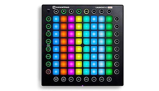 LaunchPad DTMにも演奏にも使えるコントローラー